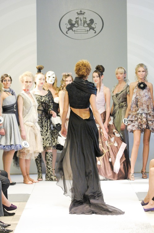 Couture Fabric Guide The Main Types And Brands