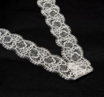 Chantilly Lace Trim #1