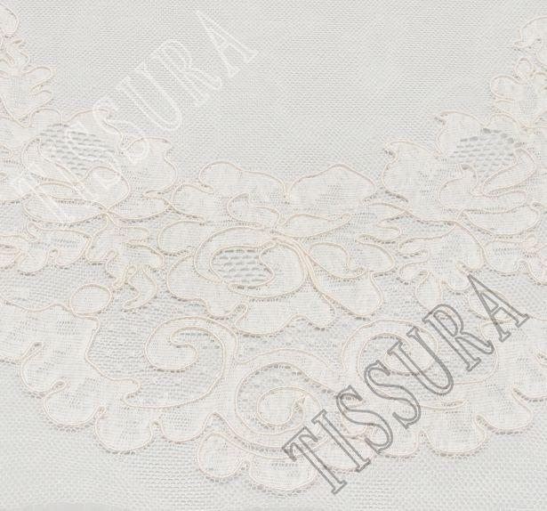 Lyon Lace Decollete Embellishment #1
