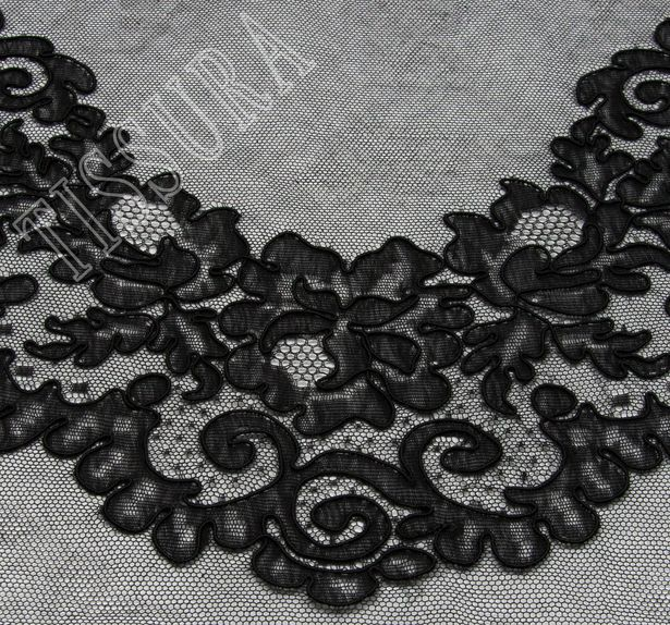 Lyon Lace Decollete Embellishment #1
