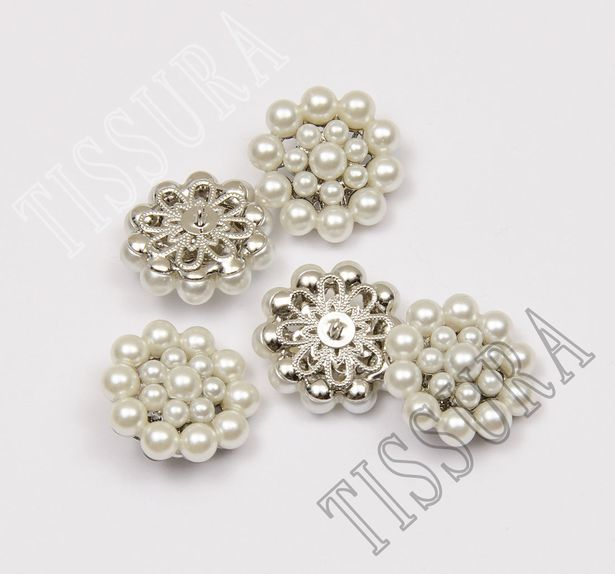 Pearl Buttons #3