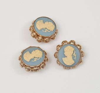 Cameo Button #1